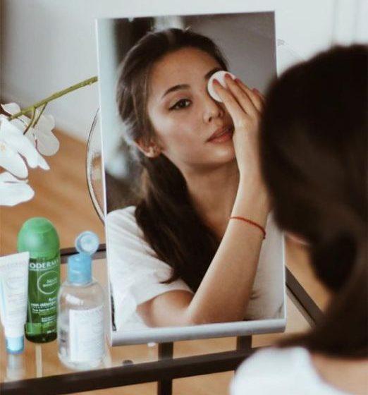 روش مصرف صحیح پاک کننده آرایش چشم دوفازی