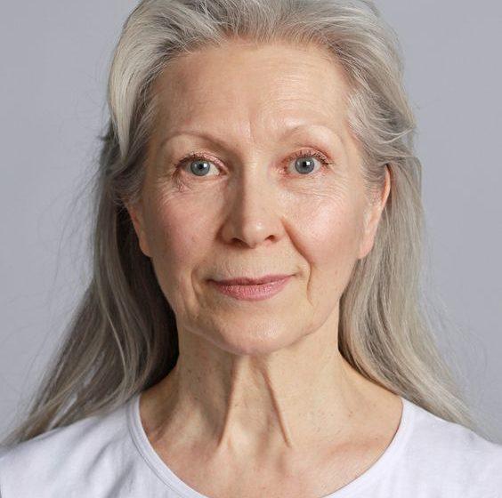 روتین مراقبت از پوست افراد بالای ۴۰ سال با محصولات اکسپرتیج آردن