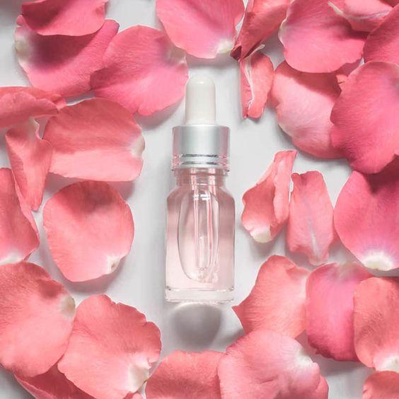 خواص گلاب برای پوست-خانومی