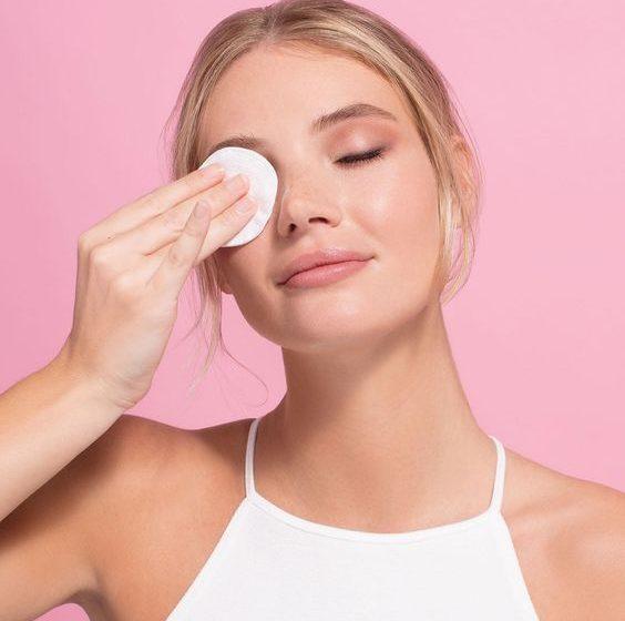 معرفی تونر ایوروشه برای پوستهای خشک و حساس