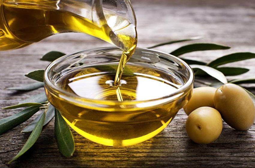 خواص درمانی و کاربردهای روغن زیتون برای مو