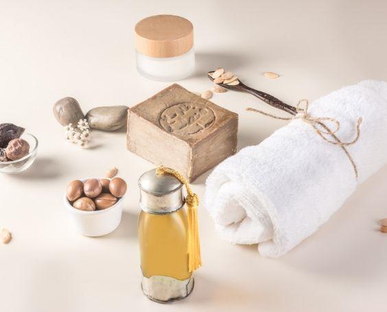 خواص درمانی و کاربردهای روغن آرگان برای مو