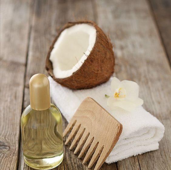 خواص درمانی و کاربردهای روغن نارگیل برای مو