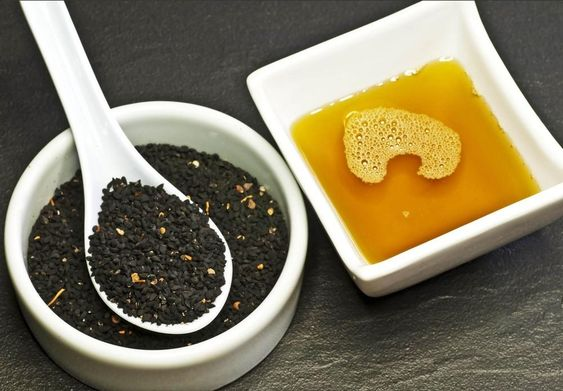 خواص ترکیب سیاه دانه و عسل برای پوست و مو
