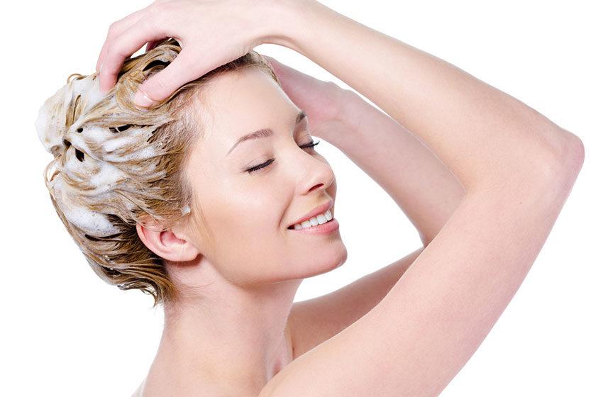 چرا ریزش مو میگیرم و درمان آن چیست؟