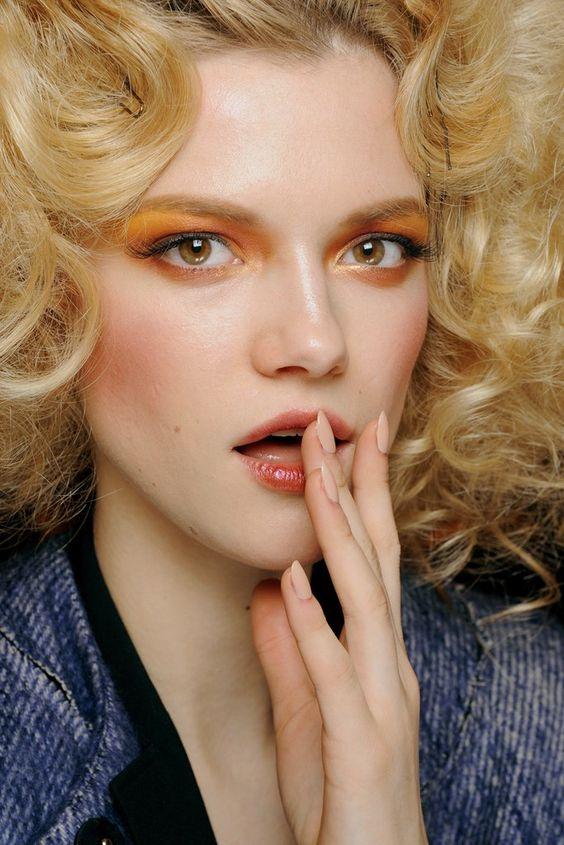 آموزش آرایش صورت کشیده-خانومی