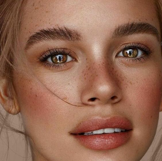 میکاپ لایت، بهترین انتخاب برای آرایش روزمره