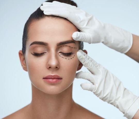 عمل جراحی زیبایی چشم
