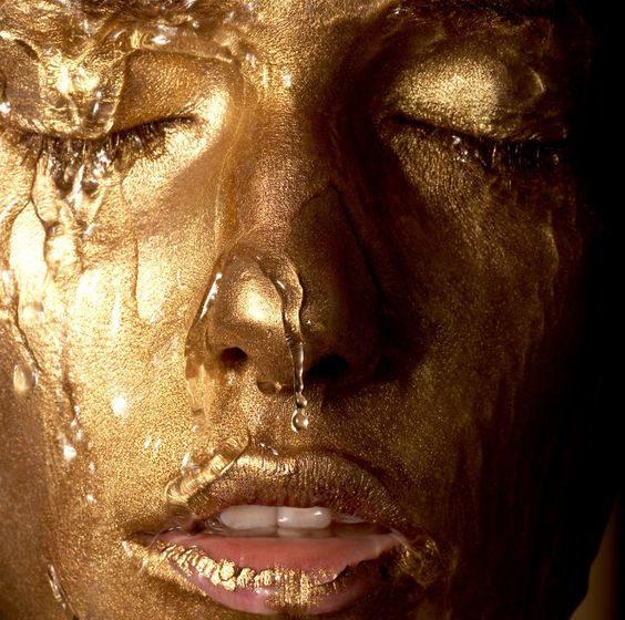 آیا استفاده از طلا در ماسک صورت واقعا تاثیر دارد؟